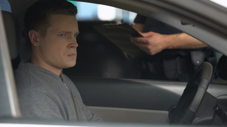 Fahrverbot erhalten - Was tun bei Führerscheinentzug?